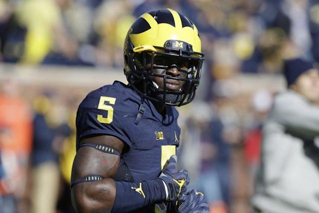 Jabrill Peppers played offense and defense with Michigan last season. (AP)