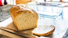 Actor Stephen Mangan kick-starts debate over what to call the end of a bread loaf
