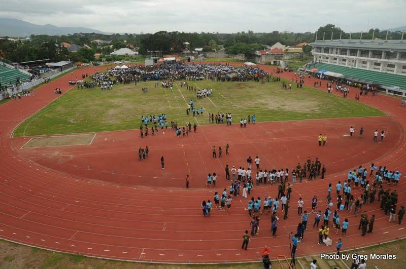 To call attention to the global need for peace, a multisectoral initiative hoped to form the world's largest human peace sign in Dumaguete City Sunday, Feb. 2, 2013 (Photo from the Silliman University website).