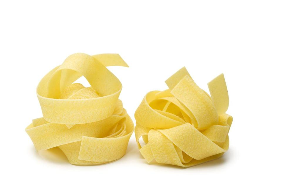 <p><strong>Category: </strong>Ribbon pasta<br><strong>Pronunciation: </strong>Pa-par-day-lay<br><strong>Typical pasta cooking time: </strong>7-10 minutes</p>