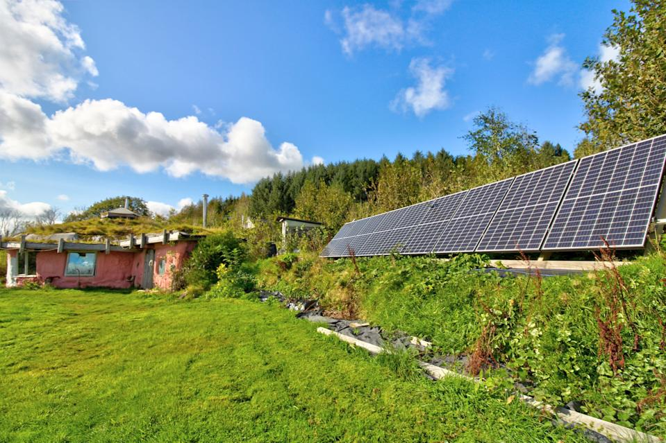 The sweet little abode is eco-friendly too. (Zoopla/Yopa)