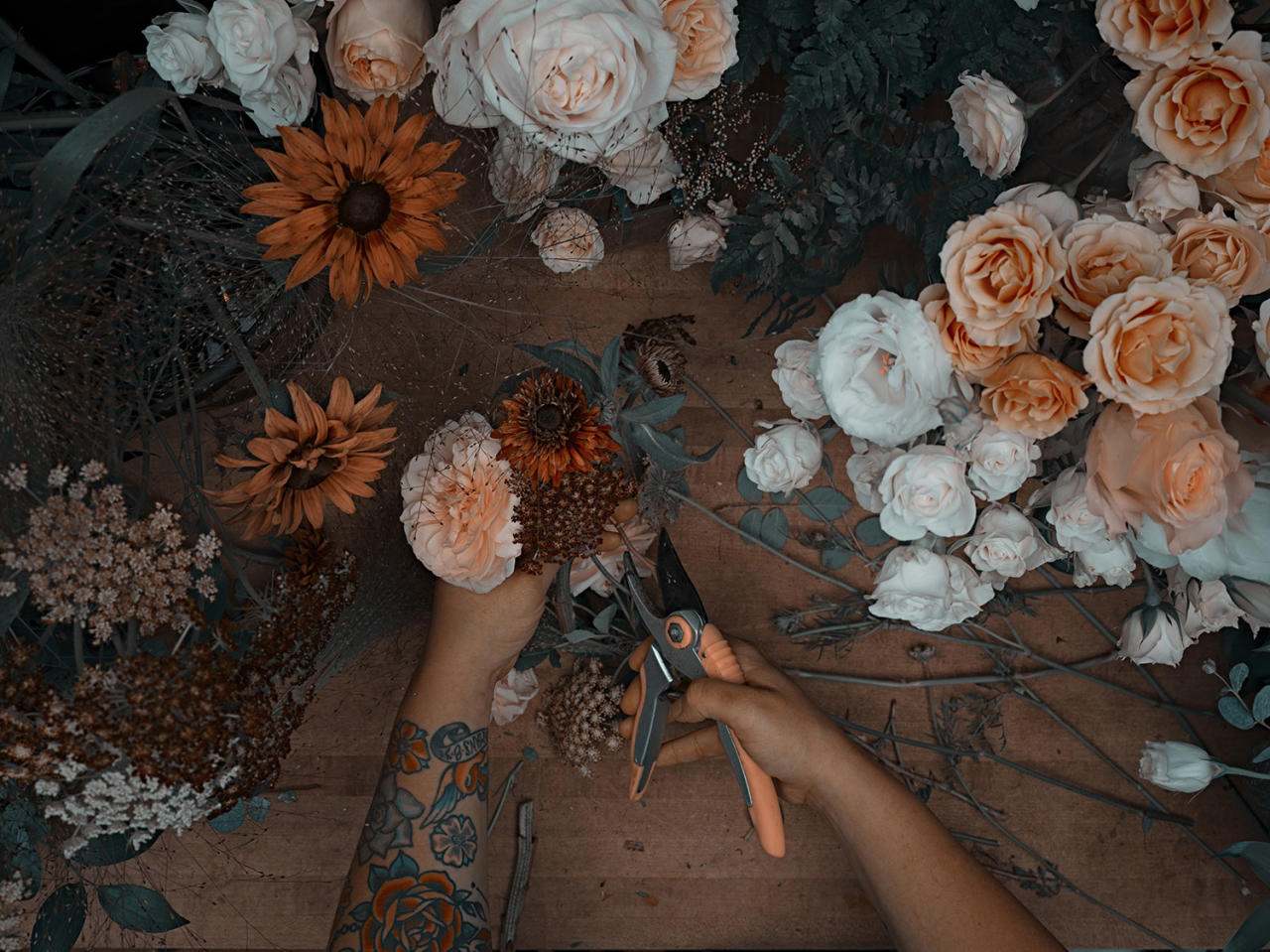 <p><b>Kirsten — florist </b><br /> Many hands make light work, and in this photographer's unique series, there are many, many of them. (Photo: Sanwal Deen/Caters News) </p>