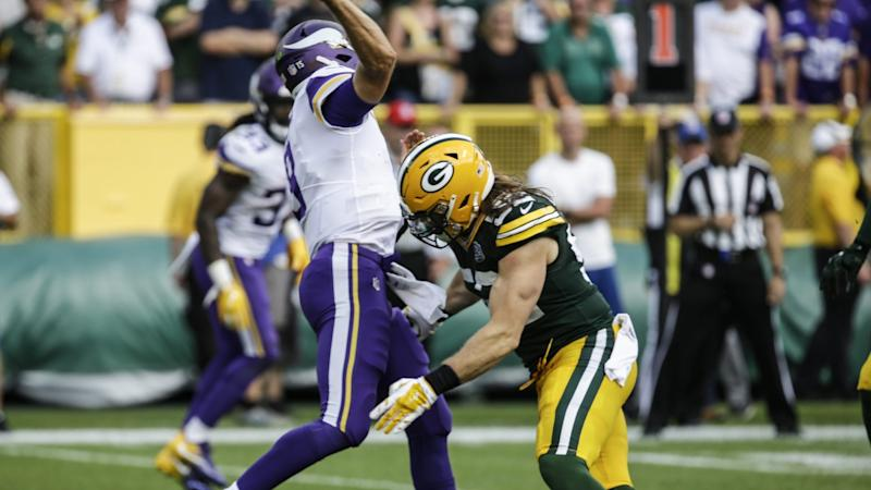 Green Bay Packers Aaron Rodgers concerned about knee