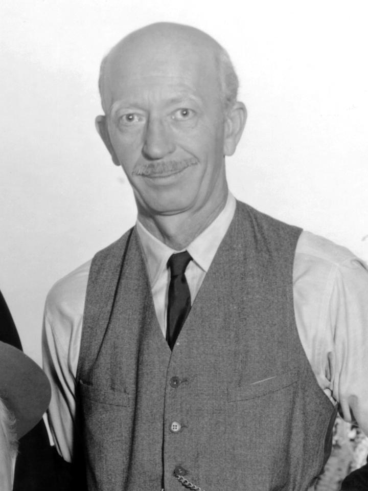 """""""Green Acres"""" co-star <a href=""""http://tv.yahoo.com/news/green-acres-character-actor-frank-cady-dies-023918546.html"""">Frank Cady</a> passed away on June 8 at the age of 96; the cause of death was not released. Cady played general-store owner Sam Drucker on """"Acres"""" and later on """"Petticoat Junction"""" and """"The Beverly Hillbillies""""; he also played Doc Williams on """"The Adventures of Ozzie and Harriet."""""""