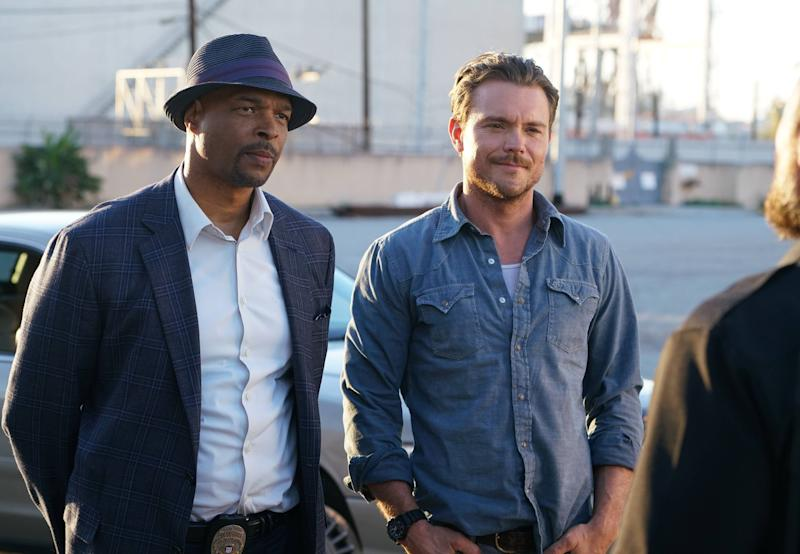 LETHAL WEAPON, l-r: Damon Wayans, Clayne Crawford in 'Pilot' (Season 1, Episode 1, aired September 21, 2016). ph: Richard Foreman/Fox/courtesy Everett Collection