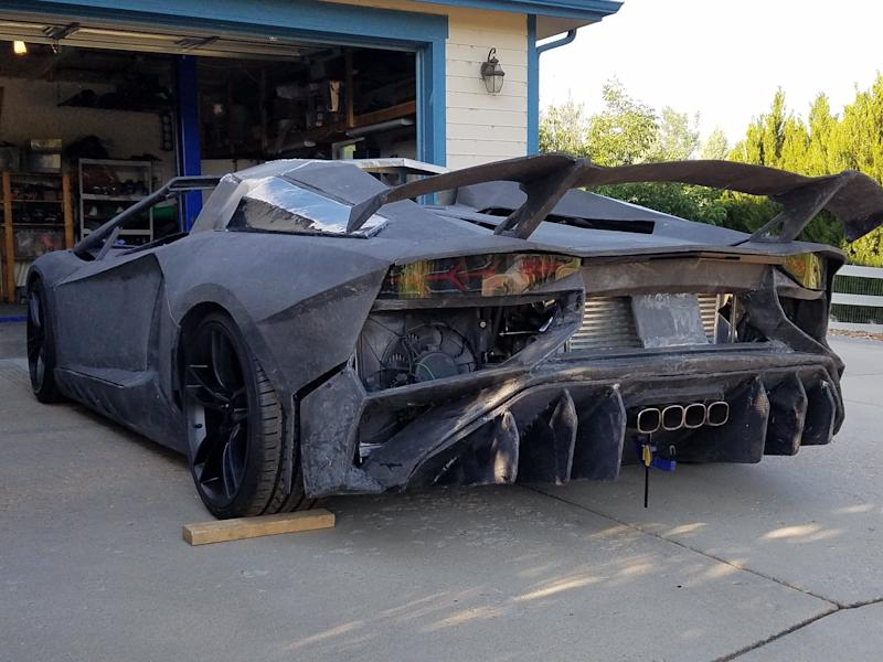 Sterling Brackus and his son are building a Lamborghini Aventador lookalike using a 3D printer.
