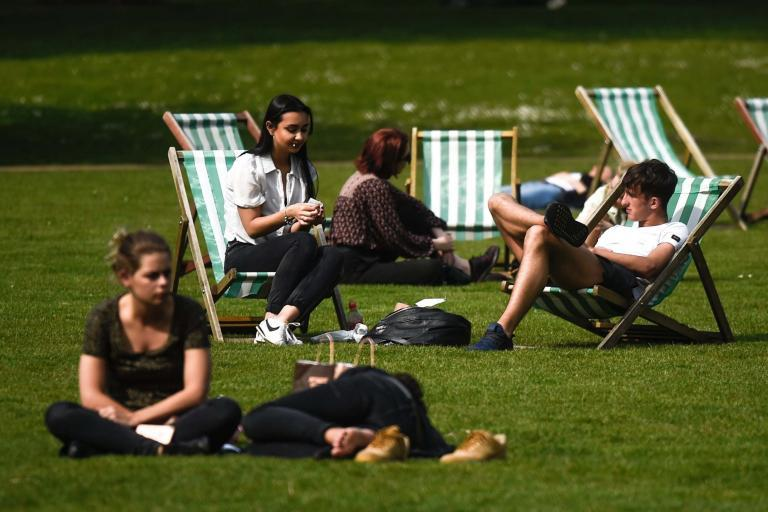 Bank holiday weekend weather: Brits bask in glorious sunshine for one day before wet weather sets in