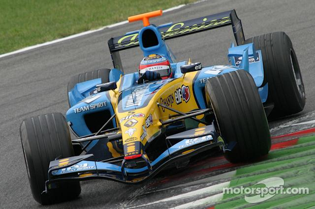 """Renault R25 (2005) <span class=""""copyright"""">Alessio Morgese</span>"""