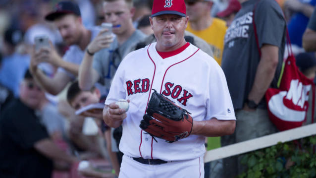 Roger Clemens shared his thoughts on the Red Sox not retiring his number