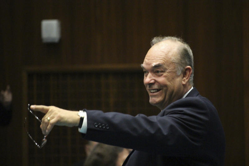 Arizona lawmaker accused of sex remarks loses committee post