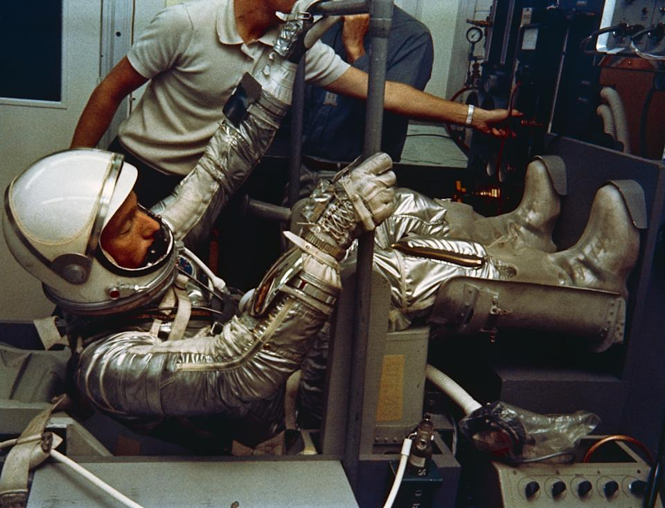 Astronaut M. Scott Carpenter, prime pilot for the Mercury-Atlas 7 (MA-7) flight, is seen in Hangar S crew quarters during a suiting exercise in May 1962.. (Public Domain/NASA)