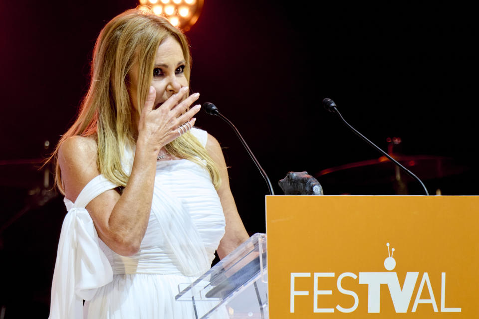 VITORIA-GASTEIZ, SPAIN - SEPTEMBER 04: Ana Obregon receives the Joan Ramon Mainat award during the closing day ceremony at Iradier Arena during day 5 of the FesTVal 2021 on September 04, 2021 in Vitoria-Gasteiz, Spain. (Photo by Carlos Alvarez/Getty Images)