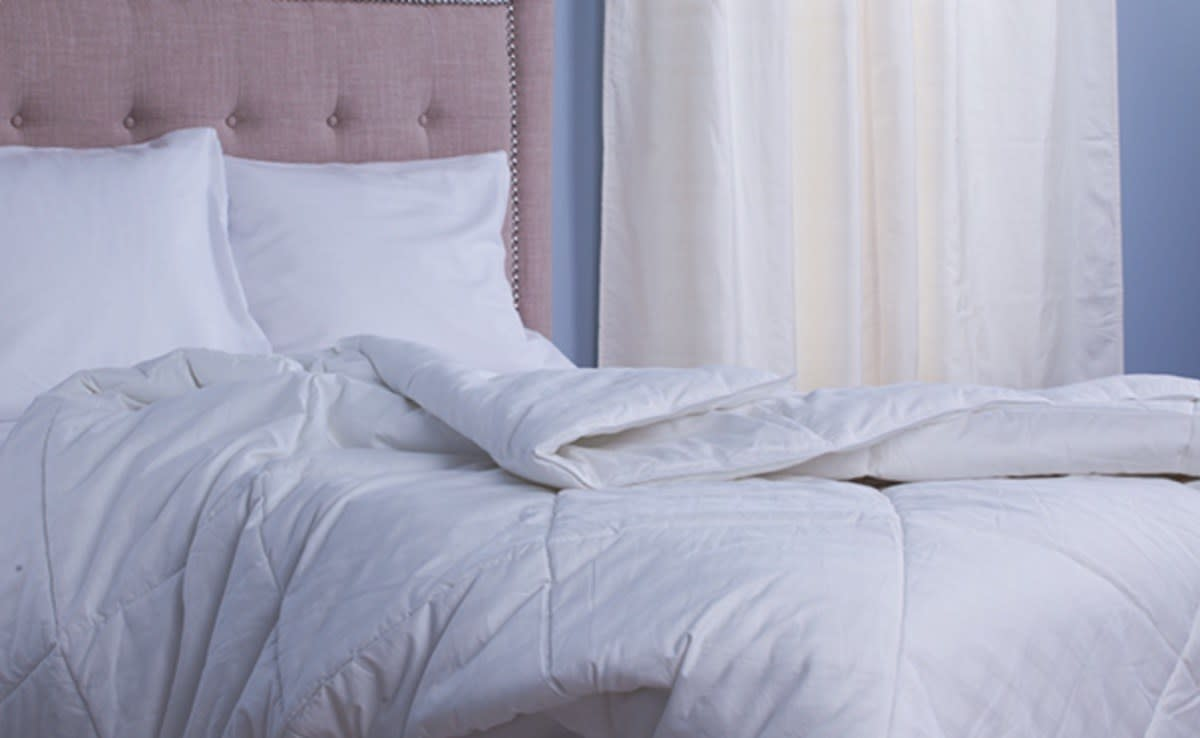 """$129; buy now at <a href=""""https://fave.co/32Luzz8"""" target=""""_blank"""">Slumber Cloud</a>  If you're the type of person who can't sleep without a cover, but also overheats easily, there's an easy solution to all your summertime woes: the Cumulus Comforter, from Slumber Cloud, which makes use of NASA-developed tech to regulate your body heat."""