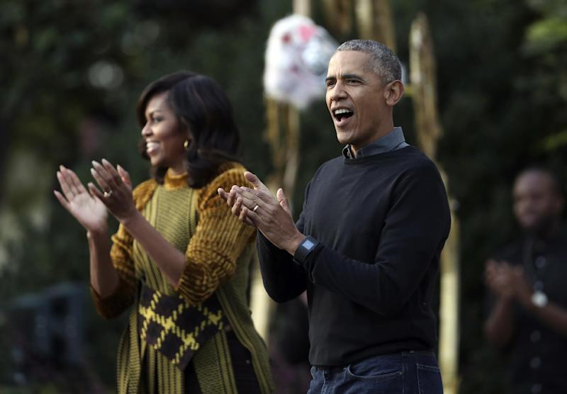 Obama pushes early voting for African-Americans