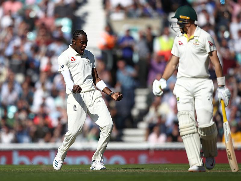 LONDON, ENGLAND - SEPTEMBER 13: Jofra Archer of England celebrates taking the wicket of Marnus Labuschagne of Australia during day two of the 5th Specsavers Ashes Test match between England and Australia at The Kia Oval on September 13, 2019 in London, England. (Photo by Julian Finney/Getty Images)
