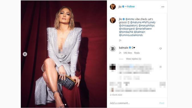 Jennifer Lopez turut hadir di karpet merah American Music Awards 2020. (Screenshot Instagram @jlo/https://www.instagram.com/p/CH6YliCp0on/)