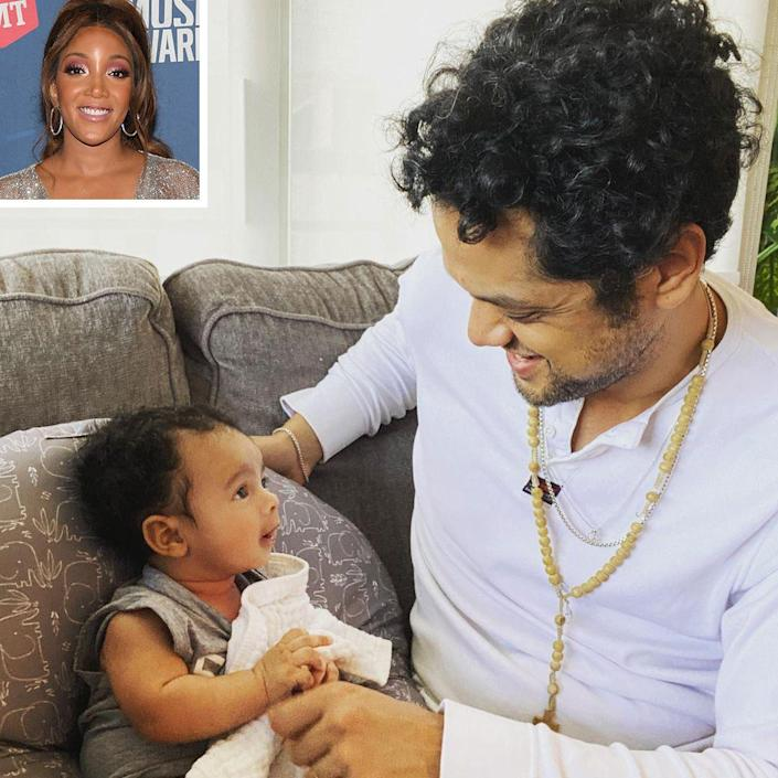 """<p>The country singer spent some quality time with 3-month-old Grayson Clark and husband Grant Savoy, sharing some <a href=""""https://www.instagram.com/p/COrII7rsdQm/"""" rel=""""nofollow noopener"""" target=""""_blank"""" data-ylk=""""slk:sweet moments"""" class=""""link rapid-noclick-resp"""">sweet moments</a> on Instagram, """"Because I cannot keep this to myself."""" </p>"""