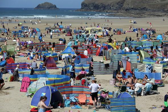 Balmy summer weather to continue into autumn?
