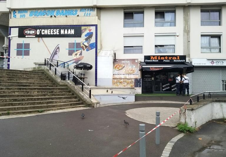 A waiter was shot dead at an eatery in the Noisy-le-Grand suburb east of Paris, apparently by a client angry at being made to wait for a sandwich