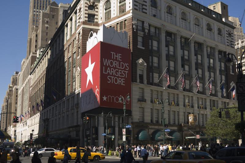 Strong economy does little to lift department store sales
