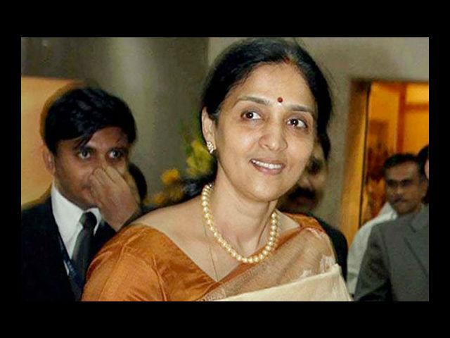<h4>8. Chitra Ramakrishna</h4> <p><strong>Age: 47</strong></p> <p>The shy looking Chitra Ramakrishna is all set to head one of the world's biggest securities exchange boards - National Stock Exchange (NSE). Ramakrishna, a chartered accountant, ensured that NSE became a transparent market ecosystem reaching out to thousands of locations in the country. Also, under her leadership, NSE recorded a profit of Rs. 860 crore in 2011.</p>