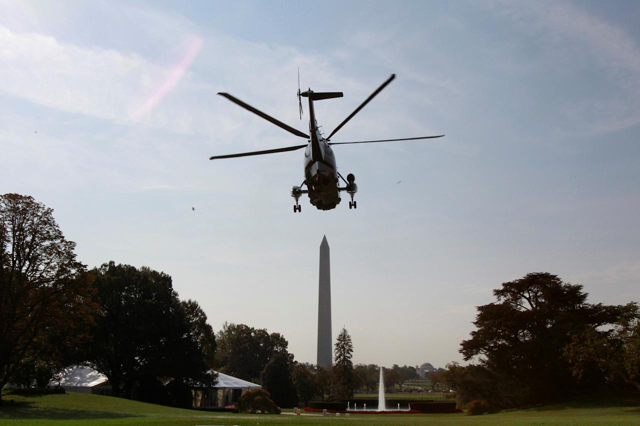 Marine One helicopter with U.S. President Barack Obama on board departs the White House in Washington, U.S. en route to Miami, October 20, 2016.  REUTERS/Yuri Gripas