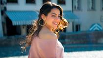 <p>Her celebrity crush is Ryan Gosling. On Koffee with Karan she admitted she wants to marry Ranbir Kapoor, but go on a date with Kartik Aryan. </p>
