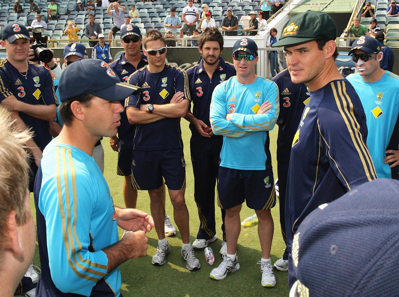 PERTH, AUSTRALIA - DECEMBER 16:  Australian Captain Ricky Ponting presents a baggy green cap to test debutant Clint McKay during day one of the Third Test match between Australian and the West Indies at WACA on December 16, 2009 in Perth, Australia.  (Photo by Mark Dadswell/Getty Images)