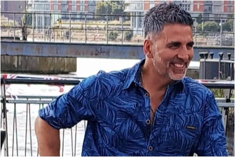 Akshay Kumar Pranks Paparazzi in Hilarious Video, Watch Here