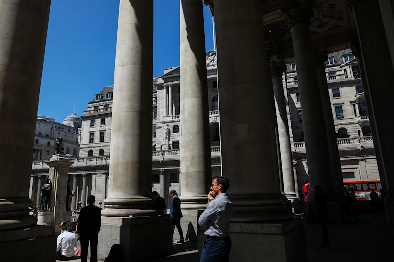 BOE Seen Holding Rates in What May Be Final Pre-Brexit Meeting
