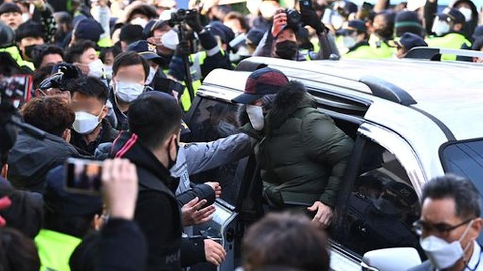 Cho amid massive police protection