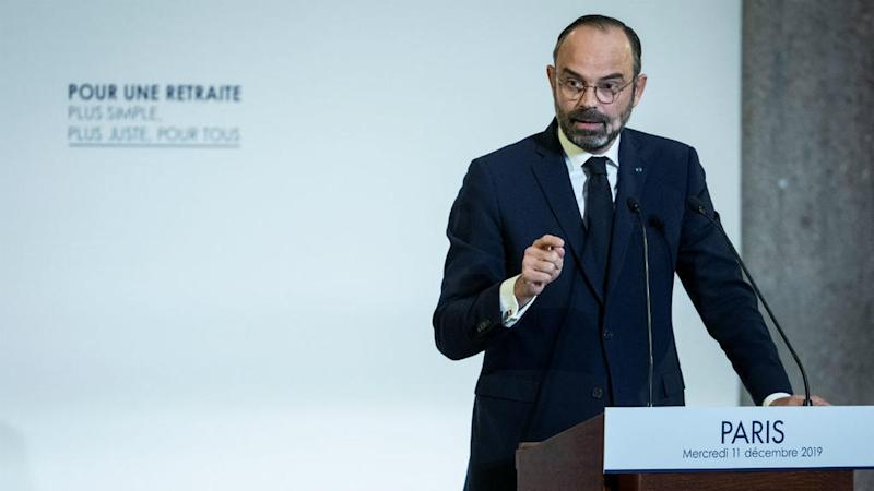 French PM calls on unions to take 'responsibility' as transport strike drags on