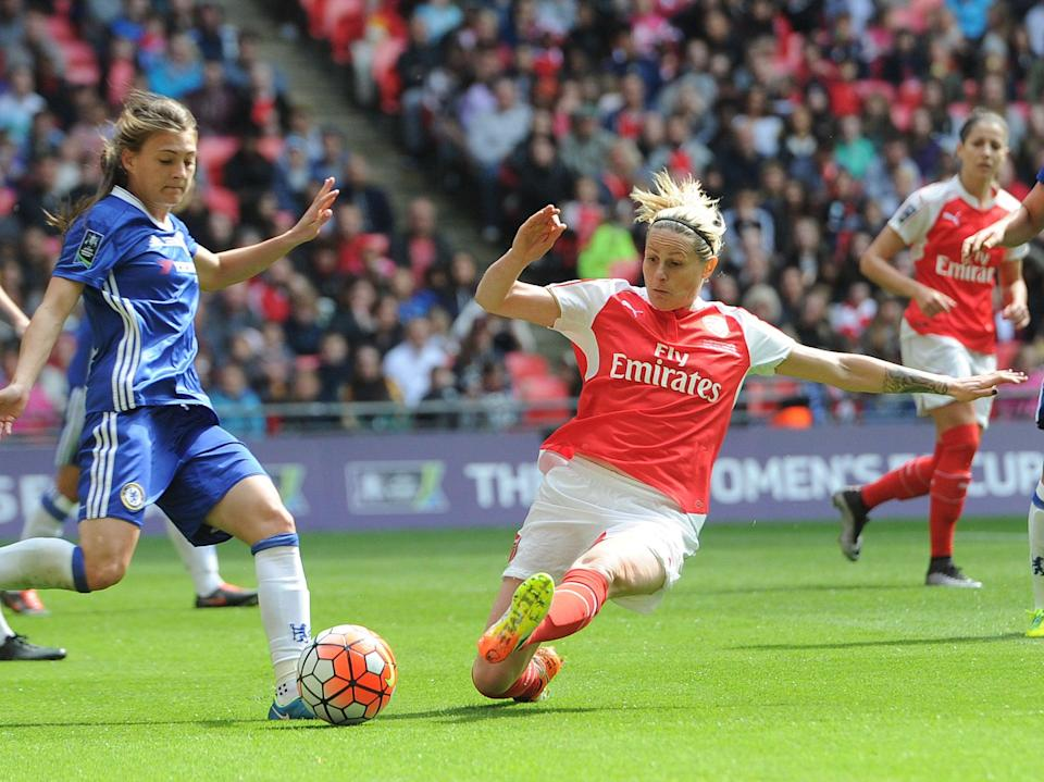 Kelly Smith in action for Arsenal against London rivals Chelsea in 2016 (Arsenal FC via Getty Images)
