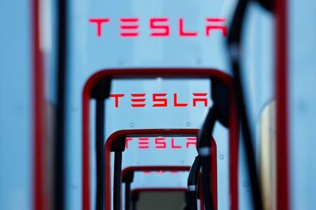 Tesla shares jump on leaked deliveries email, entertainment software update
