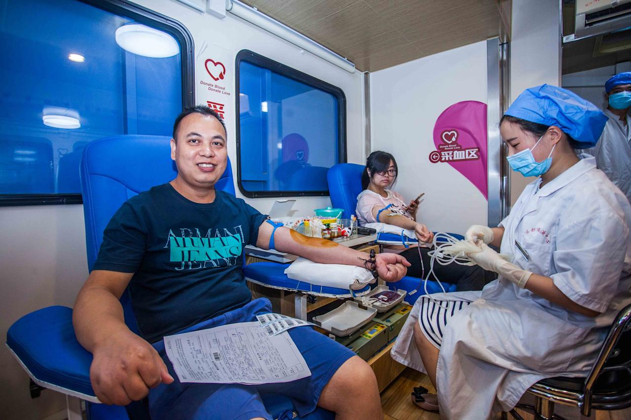 <p>Citizens donate blood after Jiuzhaigou 7.0-magnitude earthquake on Aug. 9, 2017 in Chengdu, Sichuan Province of China. (Photo: VCG via Getty Images) </p>