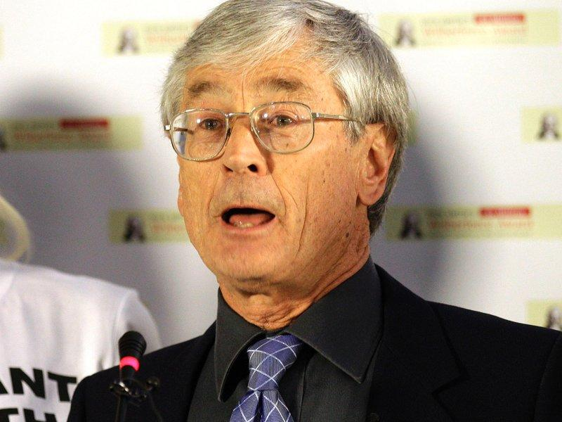 Dick Smith takes another swipe at Murdoch