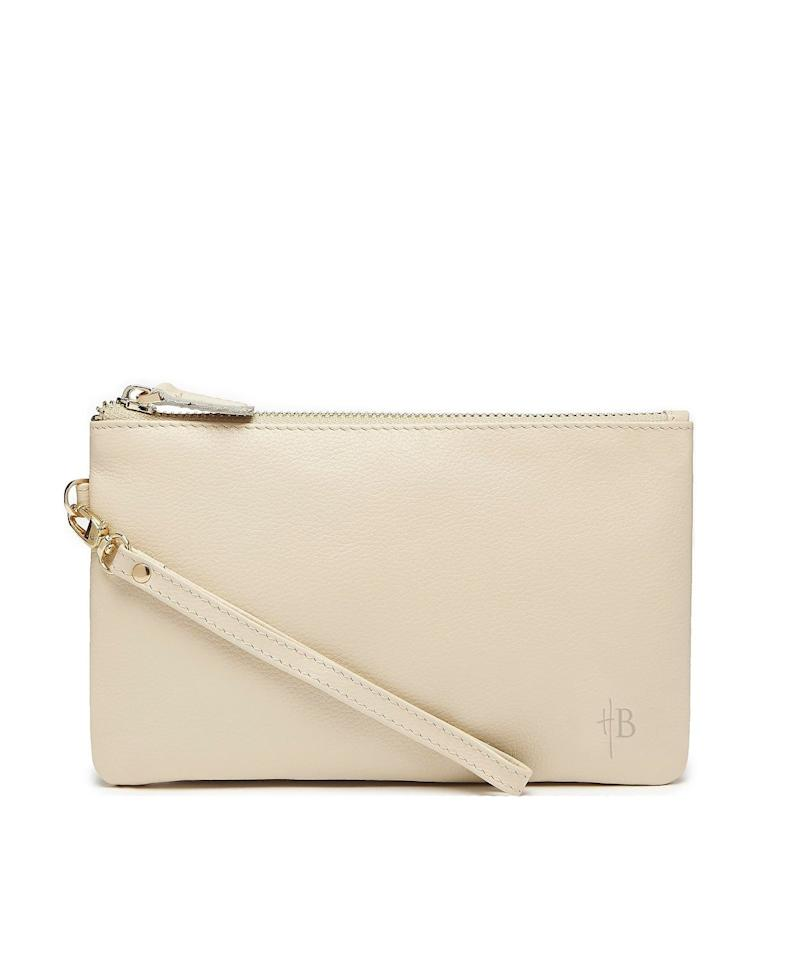 "<p>This <a href=""https://www.popsugar.com/buy/Wristlet-Built--Phone-Charger-492149?p_name=Wristlet%20With%20Built-In%20Phone%20Charger&retailer=macys.com&pid=492149&price=124&evar1=savvy%3Aus&evar9=46637119&evar98=https%3A%2F%2Fwww.popsugar.com%2Fsmart-living%2Fphoto-gallery%2F46637119%2Fimage%2F46637349%2FWristlet-With-Built-In-Phone-Charger&list1=shopping%2Cgift%20guide%2Cmacys&prop13=api&pdata=1"" rel=""nofollow"" data-shoppable-link=""1"" target=""_blank"" class=""ga-track"" data-ga-category=""Related"" data-ga-label=""https://www.macys.com/shop/product/mighty-purse-wristlet-with-built-in-phone-charger?ID=9469227&amp;CategoryID=26846#fn=sp%3D1%26spc%3D3%26ruleId%3D78%7CADD%20SAVED%20SET%26kws%3Dphone%20charger%26searchPass%3DallMultiMatchWithSpelling%26slotId%3D1"" data-ga-action=""In-Line Links"">Wristlet With Built-In Phone Charger</a> ($124) may look like a regular clutch, but it actually charges your phone.</p>"
