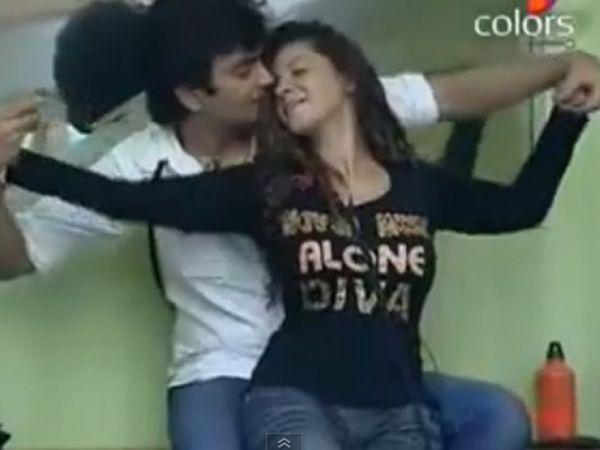 <p><strong>Image courtesy : iDiva.com</strong></p><p><strong>The Hero</strong>: Ravi Kishan<br /><strong>The Heroine</strong>: Sambhavana Seth<br /><strong>Love Story</strong>: Their romance was one of the most short-lived romances in the <em>Bigg Boss</em> house. Ravi and Sambhavana entered the show as best of friends, (remember her sitting on his lap?), and was seen being lovey-dovey.<br /><strong>Climax</strong>: The affair fell apart when during a nomination they had to choose sides, but ended up being on opposite sides. Later it went downhill with both of them fighting and abusing each other.</p><p><strong>Related Articles - </strong></p><p><a href='https://ec.yimg.com/ec?url=http%3a%2f%2fidiva.com%2fnews-entertainment%2fbigg-boss-season-6-contestants-karishma-kotak-and-vishal-karwal-are-dating%2f20738%26%23x27%3b&t=1506307326&sig=5o.JHqVmwwMXnEiTkgfzUA--~D target='_blank'>Bigg Boss Season 6 Contestants Karishma Kotak and Vishal Karwal are Dating!</a></p><p><a href='http://idiva.com/photogallery-entertainment/bigg-boss-7-scandalous-details-about-the-inmates/24497' target='_blank'>Bigg Boss 7: The Inmates and Their Scandalous Pasts</a></p>