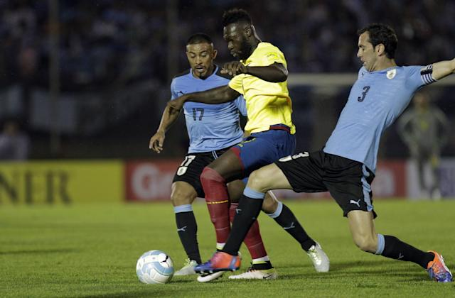<p><strong>Uruguay <br></strong><br><strong>Tarjetas Rojas: </strong>0 <strong>Tarjetas Amarillas: </strong>30 Foto:AP </p>