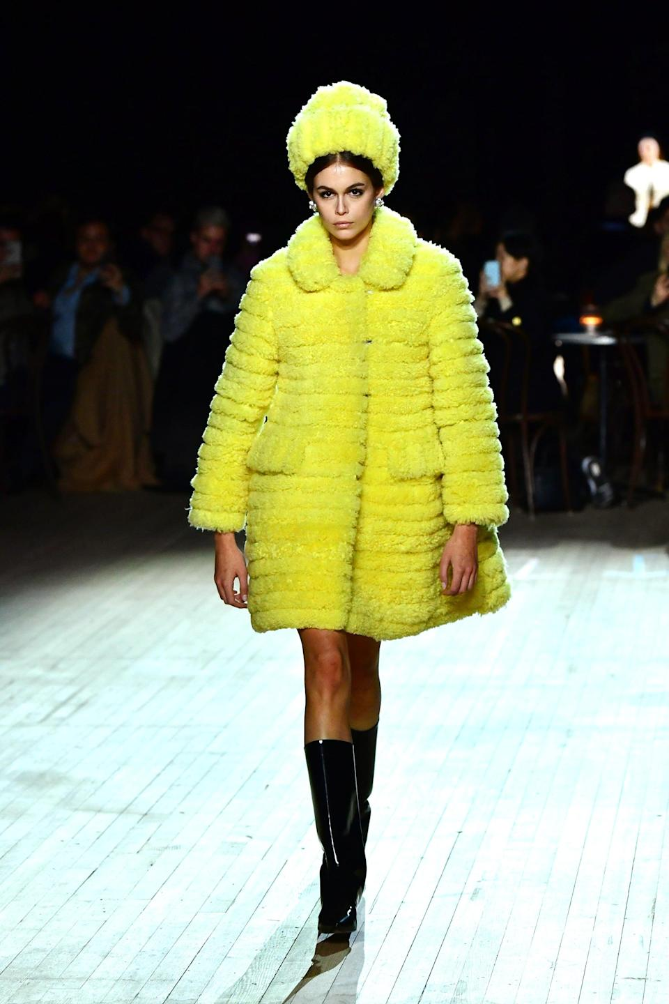 <p>Attending a Marc Jacobs show is like entering a wardrobe wonderland where only dreamy, over-the-top fashion exists. Incorporating whimsical, fantasy-like elements into your outfit is key - embrace floral prints, dramatic sleeves, and billowy skirts.</p>