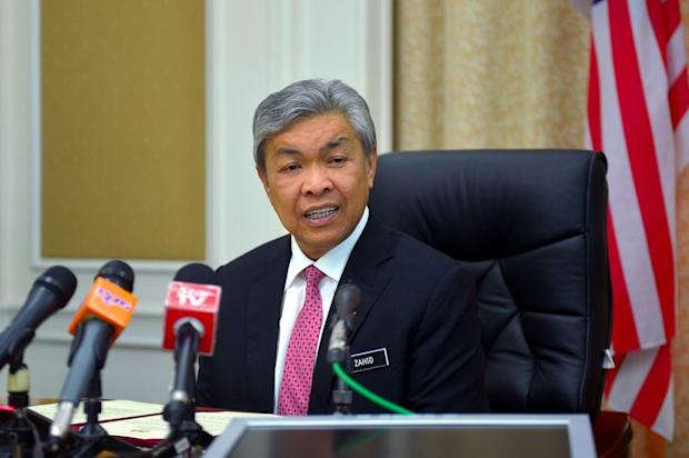 Datuk Seri Dr Ahmad Zahid Hamidi (pic) says Datuk Seri Abdul Hadi Awang may table his Bill only after Putrajaya concludes its affairs in Parliament. — Bernama pic