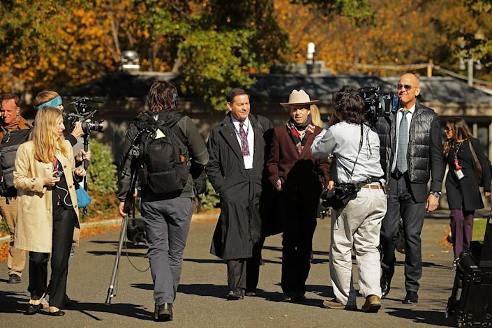 """<p>Mark Halperin, Mark McKinnon and John Heilemann of the television program """"The Circus"""" walk down the driveway in front of the West Wing ahead of the arrival of President-elect Donald Trump at the White House on Nov. 10, 2016, for a meeting with President Obama. (Chip Somodevilla/Getty Images) </p>"""