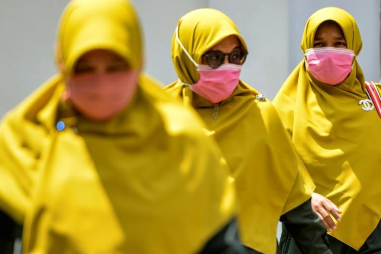 WHO says world in uncharted territory as US virus toll rises