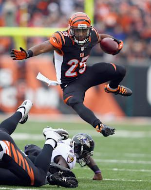 Giovani Bernard makes the leap (Photo by Andy Lyons/Getty Images)
