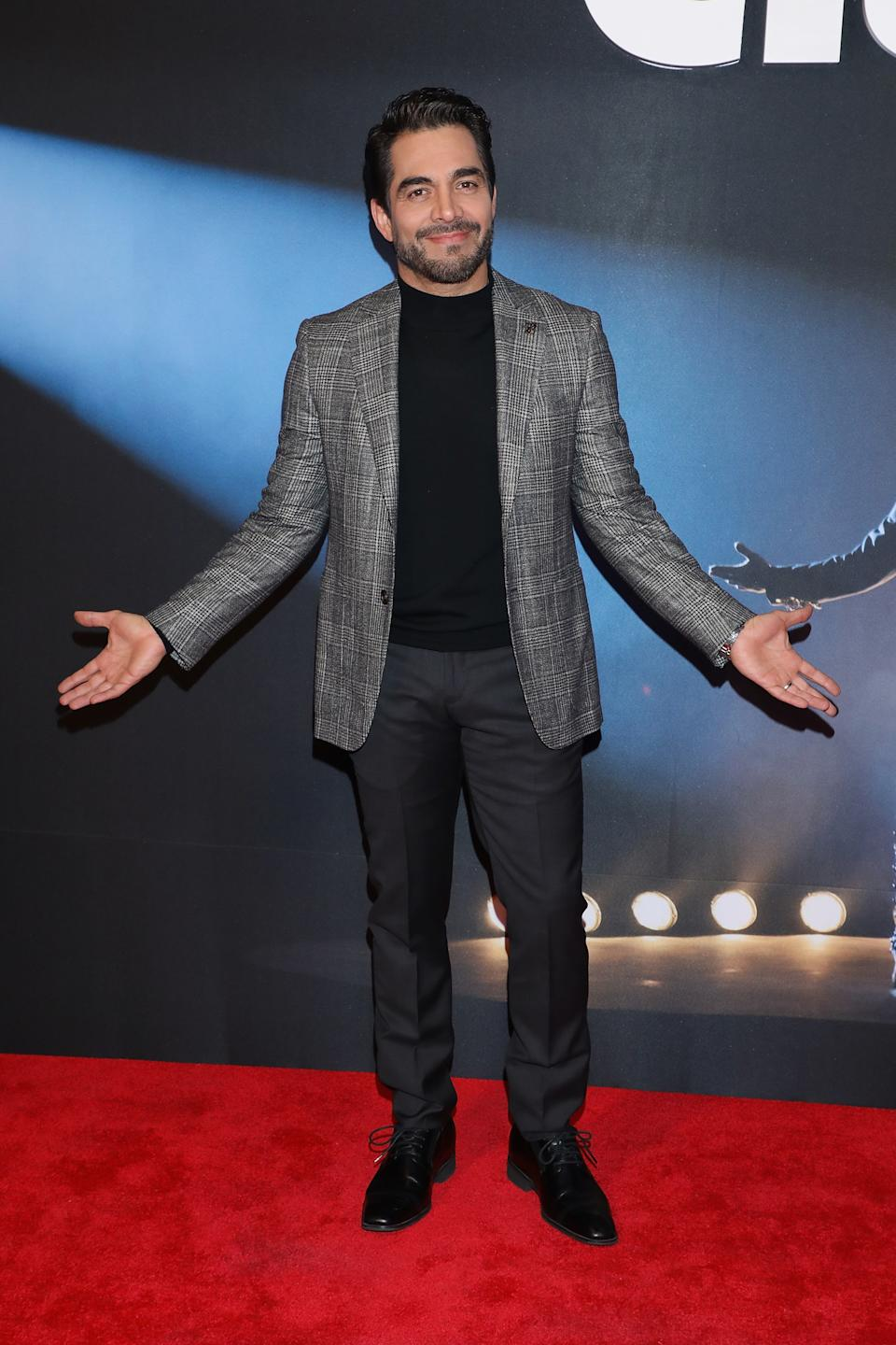 "MEXICO CITY, MEXICO - DECEMBER 03:  Omar Chaparro attends the red carpet of Netflix film ""Como Caido del Cielo"" at Cinemex Antara Polanco on December 3, 2019 in Mexico City, Mexico.  (Photo by Victor Chavez/Getty Images)"