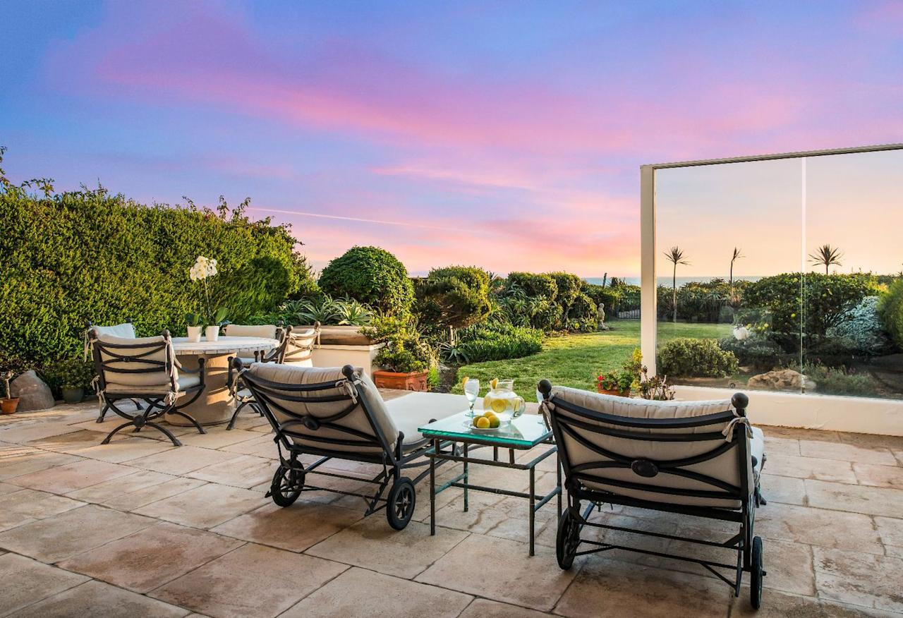 """<p>The Sinatras bought the lot and built their home in the early 1990s, <a rel=""""nofollow"""" href=""""https://www.toptenrealestatedeals.com/homes/weekly-ten-best-home-deals/2018/12-03-2018/1/"""">according to toptenrealestatedeals.com</a>. Architect Ted Grenzbach, who also oversaw projects for Cher, Rupert Murdoch, and Barbara Streisand, handled the design.</p>"""