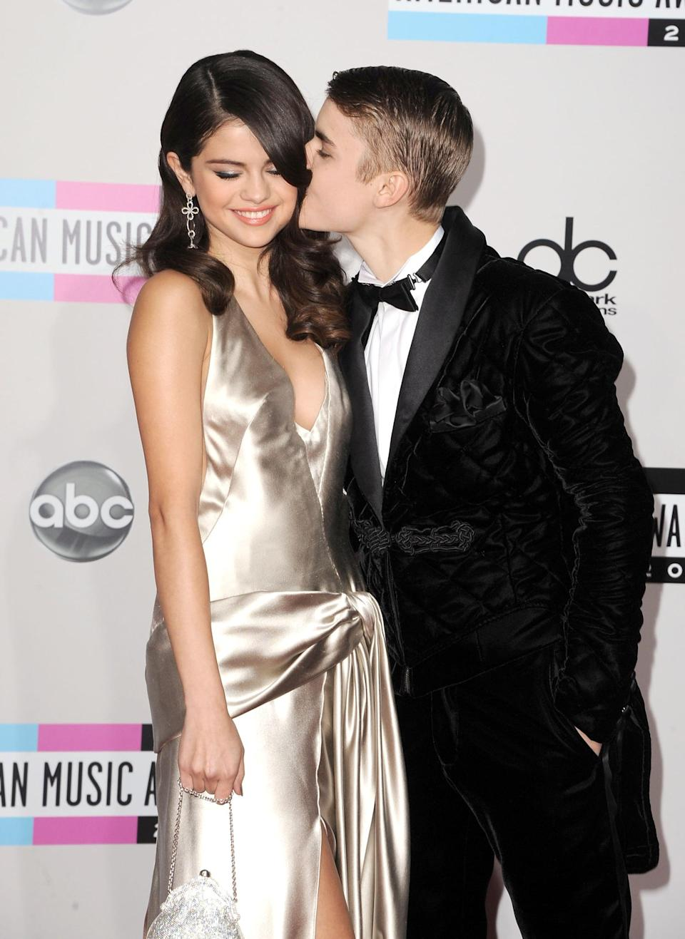 <p>She kept the glamour going at the American Music Awards, where she and boyfriend Justin Bieber showed PDA on the red carpet.</p>
