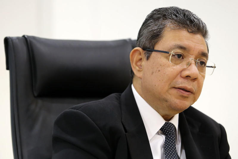 Foreign Minister Datuk Saifuddin Abdullah said it is better for PH to strengthen existing multiracial parties than to promote race-based ones. — Picture by Yusof Mat Isa