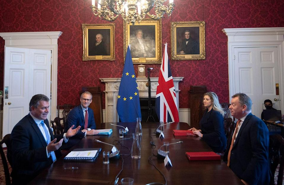 European Commission vice-president Maros Sefcovic (L) and his UK counterpart David Frost in London on Wednesday (POOL/AFP via Getty Images)