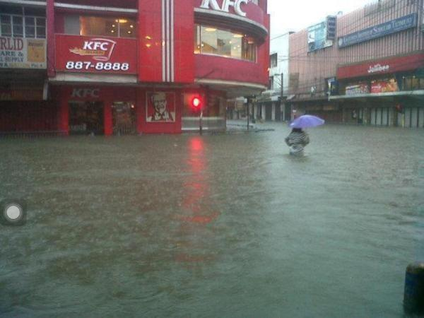 General Kalentong Mandaluyong. As of 10:30am via @ANCalerts